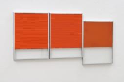 Pedro Cabrita Reis - Strömbly arancio (Triptych) - 2012, acrilico e smalto su vetro, cornice in alluminio (tre parti) 48,5 x 94,5 x 2 cm