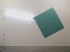 Pedro Cabrita Reis - To Fly a Kite - 2015 - fluorescent light, aluminum, electric wires, enamel on plywood - overall dimensions 311 x 162 x 4 cm