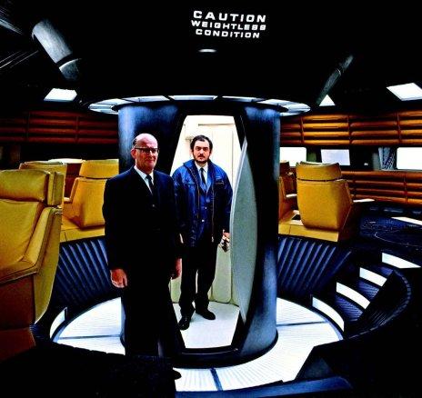 Arthur C. Clarke e Stanley Kubrick sul set di 2001 Odissea nello spazio