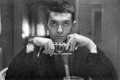 Il regista americano Stanley Kubrick condivide un candido autoritratto