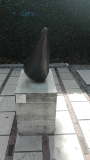 """""""Anfora-frutto"""" (1946) by Jean Arp @ Peggy Guggenheim Collection"""