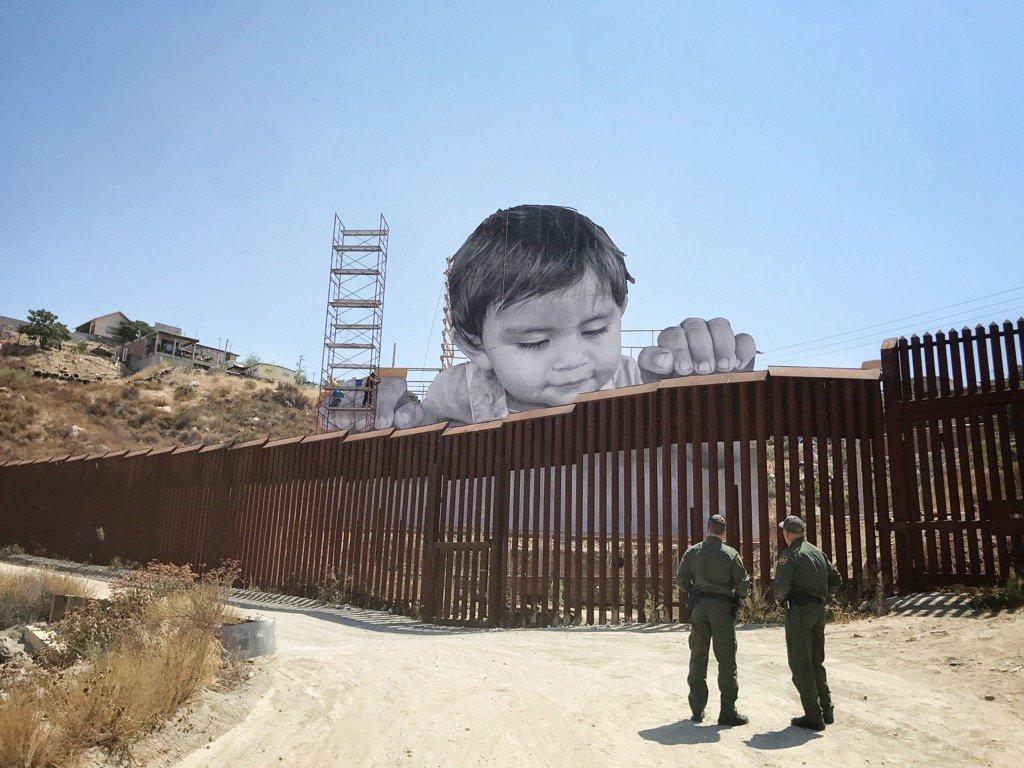 JR @confine USA/Messico
