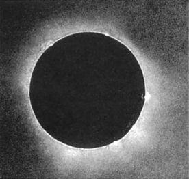La prima fotografia scientifica utile di un'eclisse solare totale di Julius Berkowski (Prussia, 1851)