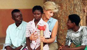 Principessa Diana e Sandra, durante la Guerra Civile Angolana, (Angola, 1997)