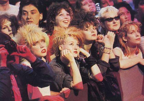 Ragazze britanniche ad un concerto di Bowie, 1983