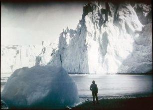 Spedizione Endurance - Ghiacciaio di Fortuna, Elephant Island, Antartide   (Frank Hurley, 1915)