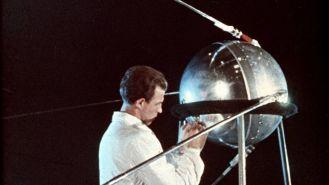 Sputnik, il primo satellite artificiale, è stato lanciato nello spazio 50 anni fa