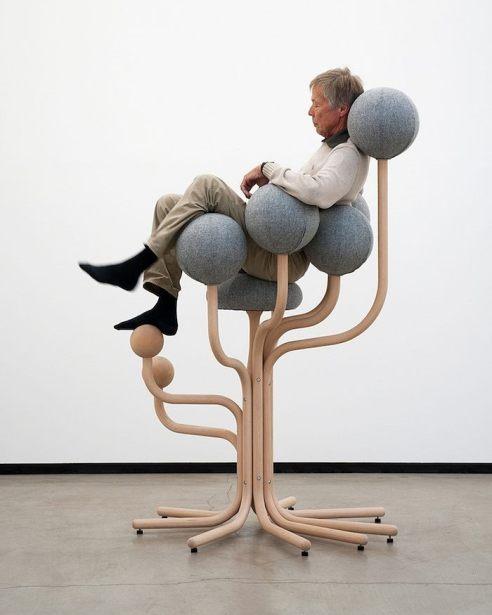 Design: ergonomic chair by Peter Opsvik