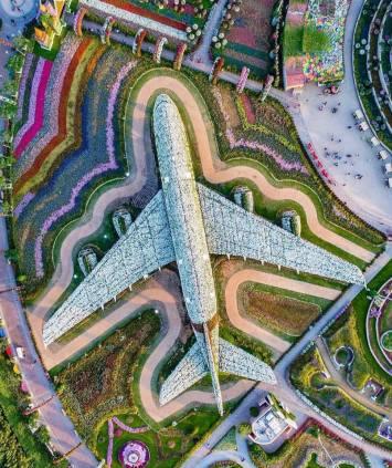 Dubai Miracle Garden - Installazione floreale della Emirates Airline