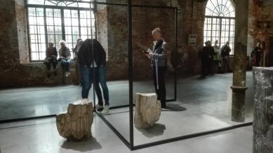 """Biennale Arte 2017 - Arsenale - Welten Line"""" di Alicja Kwade (Polonia)"""
