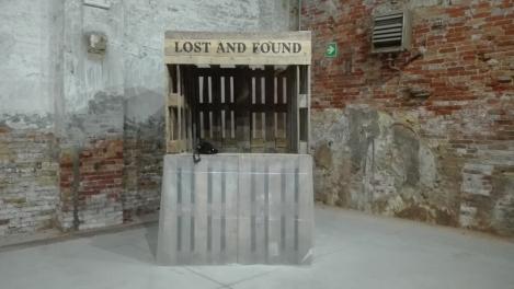 """Biennale Arte 2017 - Arsenale - Padiglione Repubblica del Kosovo - """"Lost and found"""" di Sheila Xhafa (Kosovo)"""