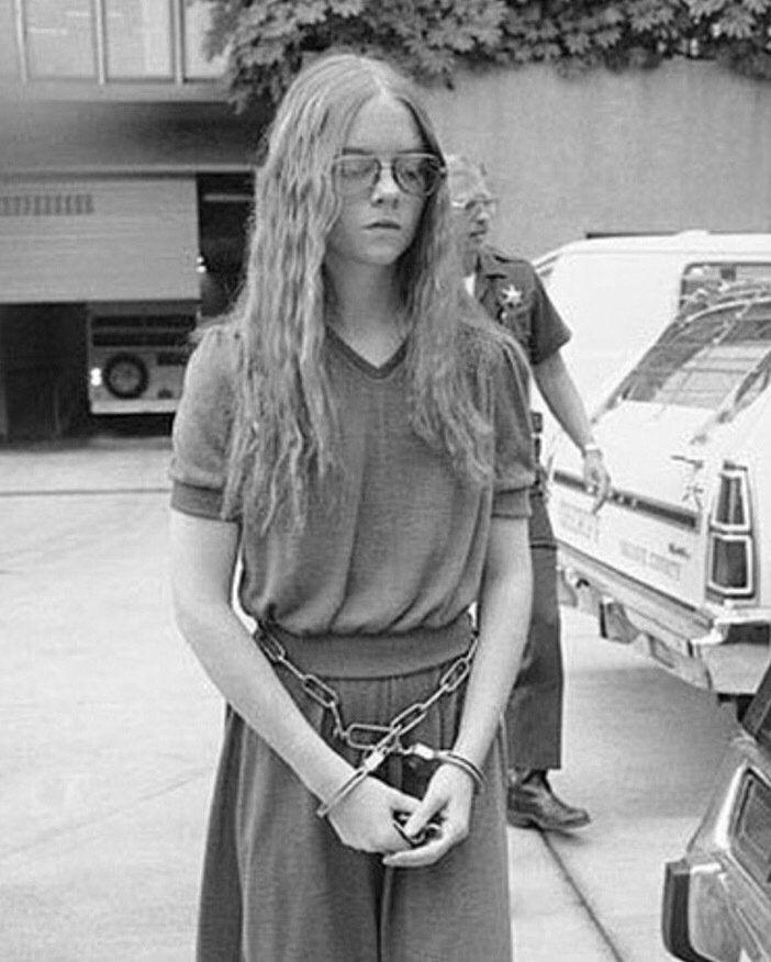 """Nel 1979, la sedicenne Brenda Ann Spencer ha ucciso 2 persone. Quando le hanno chiesto perché l'hai fatto, ha risposto """"Non mi piace il lunedì"""""""