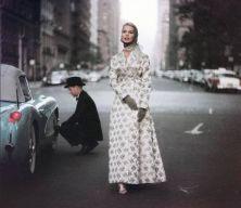 Pit stop, New York, 1956. (Fotografia di Gordon Parks)
