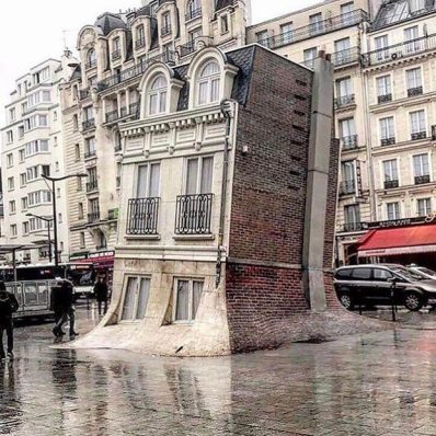 """The melting house"" di Leandro Erlich a Parigi"