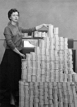 4,5 megabyte di dati in 62.500 schede perforate, (USA, 1955)