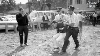 Bernie Sanders viene arrestato in una protesta contro i diritti civili a Chicago. 1963