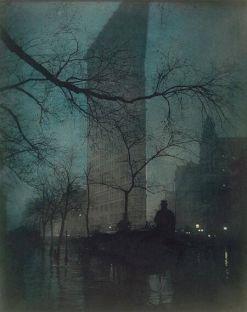 Flatiron Building, New York, nel 1904. Fotografia di Edward Steichen