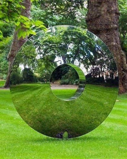 Forest Mirror, Inghilterra