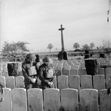 Soldati BEF che portano rispetto alla generazione precedente (Francia, 1940)