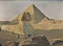La prima fotografia a colori della Sfinge e della Piramide di Giza nel 1913