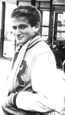 Un diciottenne Robin Williams in veste di liceale, 1969