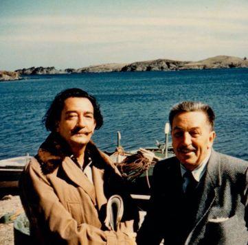 Walt Disney e Salvador Dali su una barca, Spagna, 1957. Fotografo della Collezione Walt Disney Family Foundation