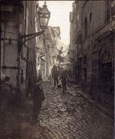 Ciottoli, una tipica arteria stradale di Istanbul, in Turchia, 1911