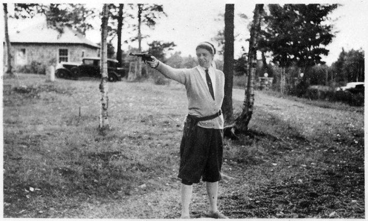 Eleanor Roosevelt con la .22 Smith e Wesson che portava spesso al posto della protezione dei servizi segreti