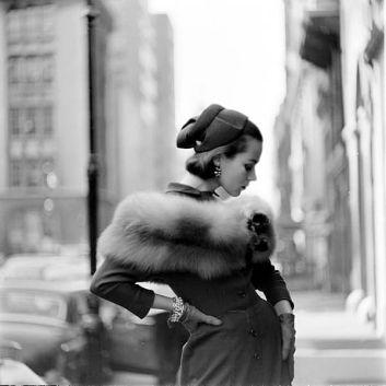 Foto di moda di Gordon Parks, New York, 1951, per la rivista LIFE