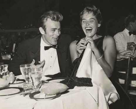 James Dean e Ursula Andress