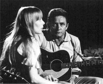 Joni Mitchell e Johnny Cash. Fotografia di Graham Nash