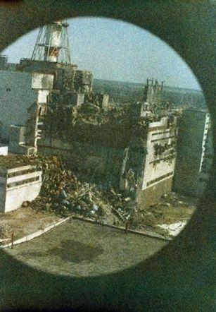 La prima foto del disastro di Chernobyl, 14 ore dopo l'esplosione
