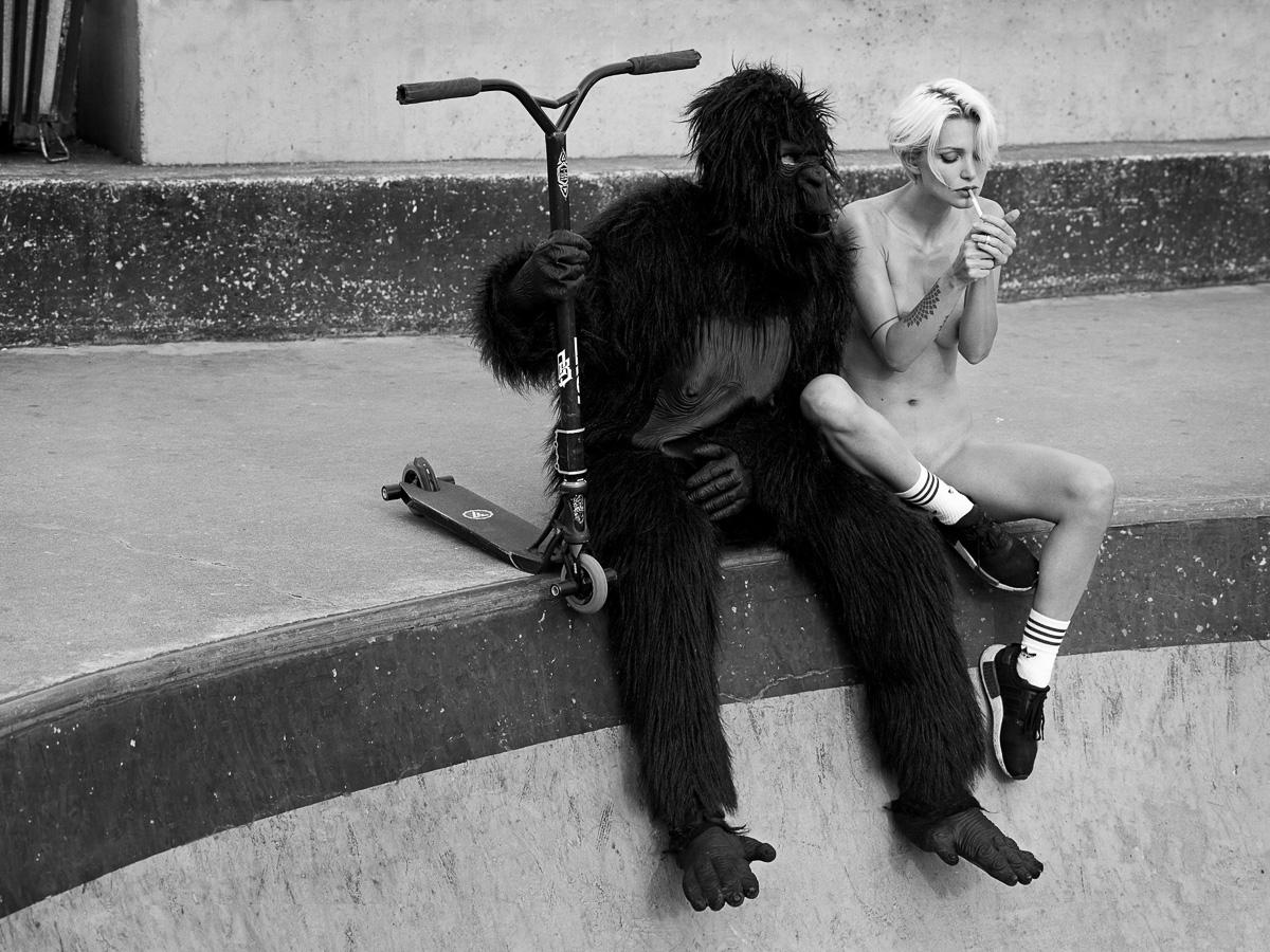 Erotismo in gocce – Fotografia – Il bianco e nero intenso di Lukas Dvorak –  Barbara Picci