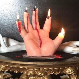 Mano candelabro