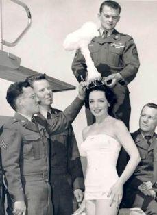 Miss Bomba Atomica, 1957