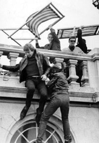 'Siamo Mod!' - I Rockers fuggono dai Mods a Brighton, maggio 1964
