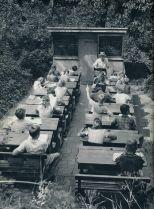 Un'età dimenticata di scuole all'aperto nei Paesi Bassi, 1957