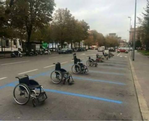 Come ci si sente a trovare tutti i parcheggi occupati?