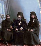 Grigori Rasputin, il vescovo Hermogen e Hieromonk Iliodor a Tsaritsyn, 1909