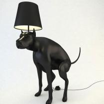 Lampada cane che fa i bisogni