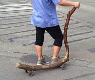Monopattino di legno