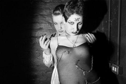 Punk by Karen Knorr & Olivier Richon, Londra 1976