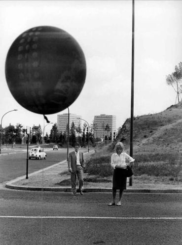Alain Delon e Monica Vitti in L_Eclisse (1962) diretto da Michelangelo Antonioni