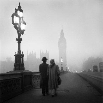 Attraversando il Tamigi, foto di René Groebli, Londra, 1949