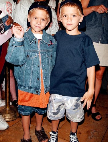 Cole e Dylan Sprouse. Anni '90