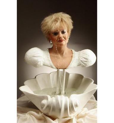 Fontana donna piangente