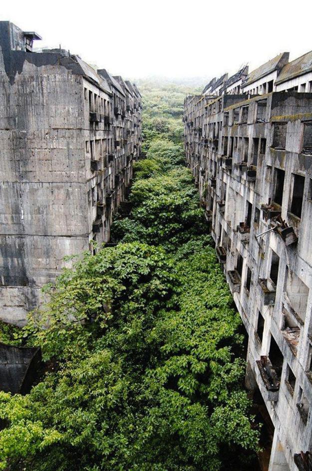 Gli appartamenti abbandonati a Keelung, Taiwan