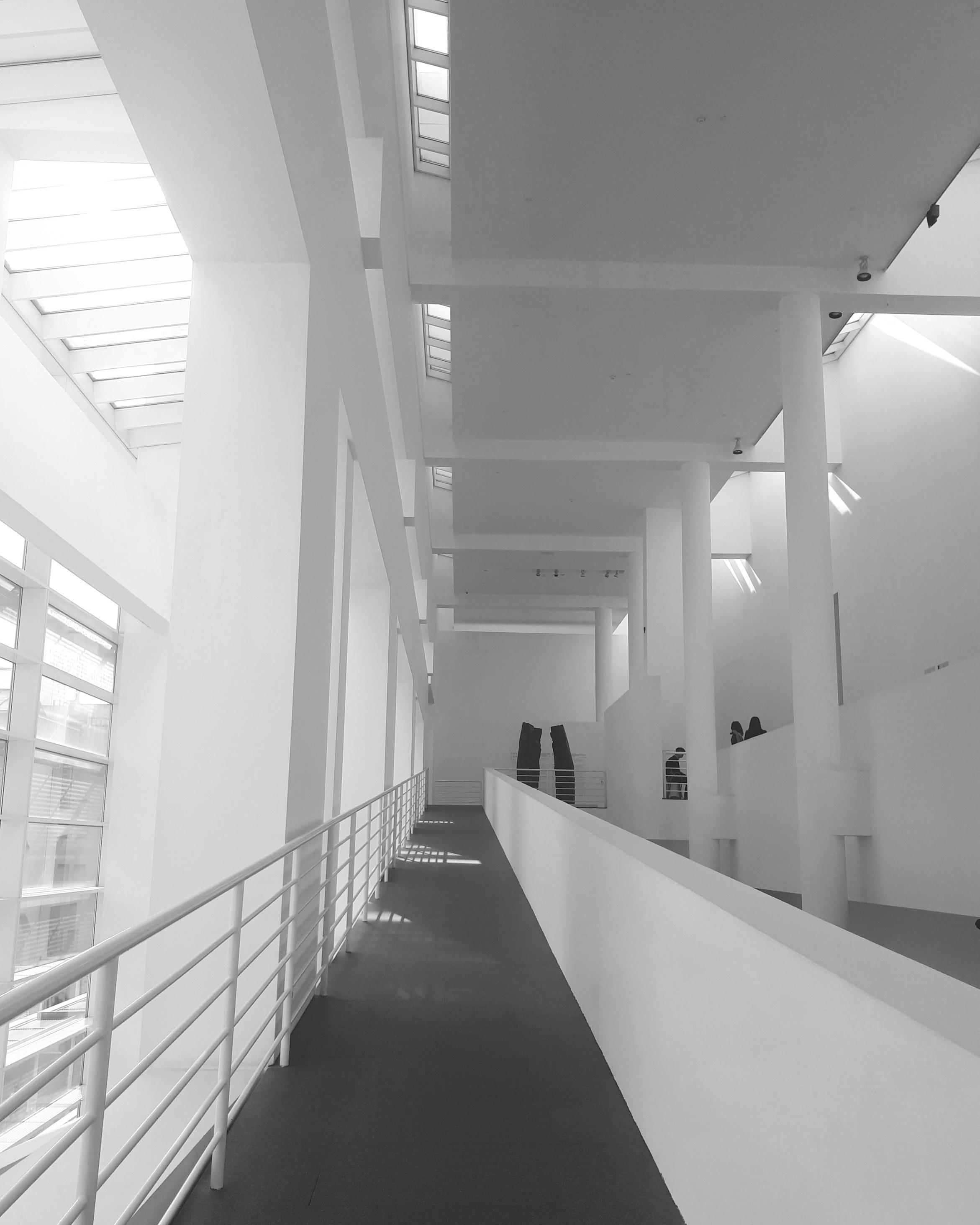 Barcellona 2018 cronistoria di una visita al macba joan for Architettura contemporanea barcellona