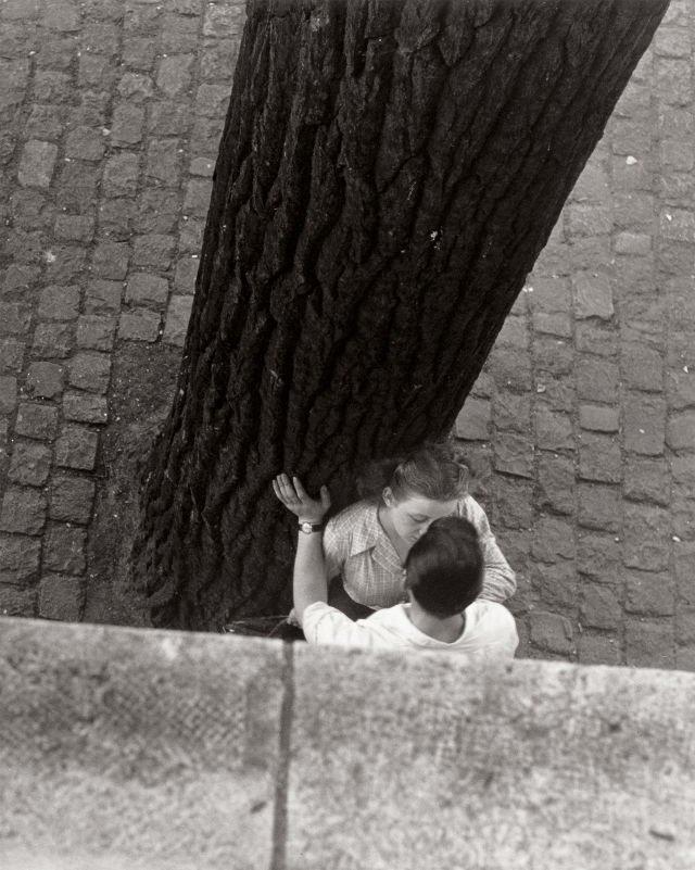 Parigi, Francia, 1949. Foto di Izis