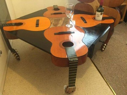 Tavolino chitarre